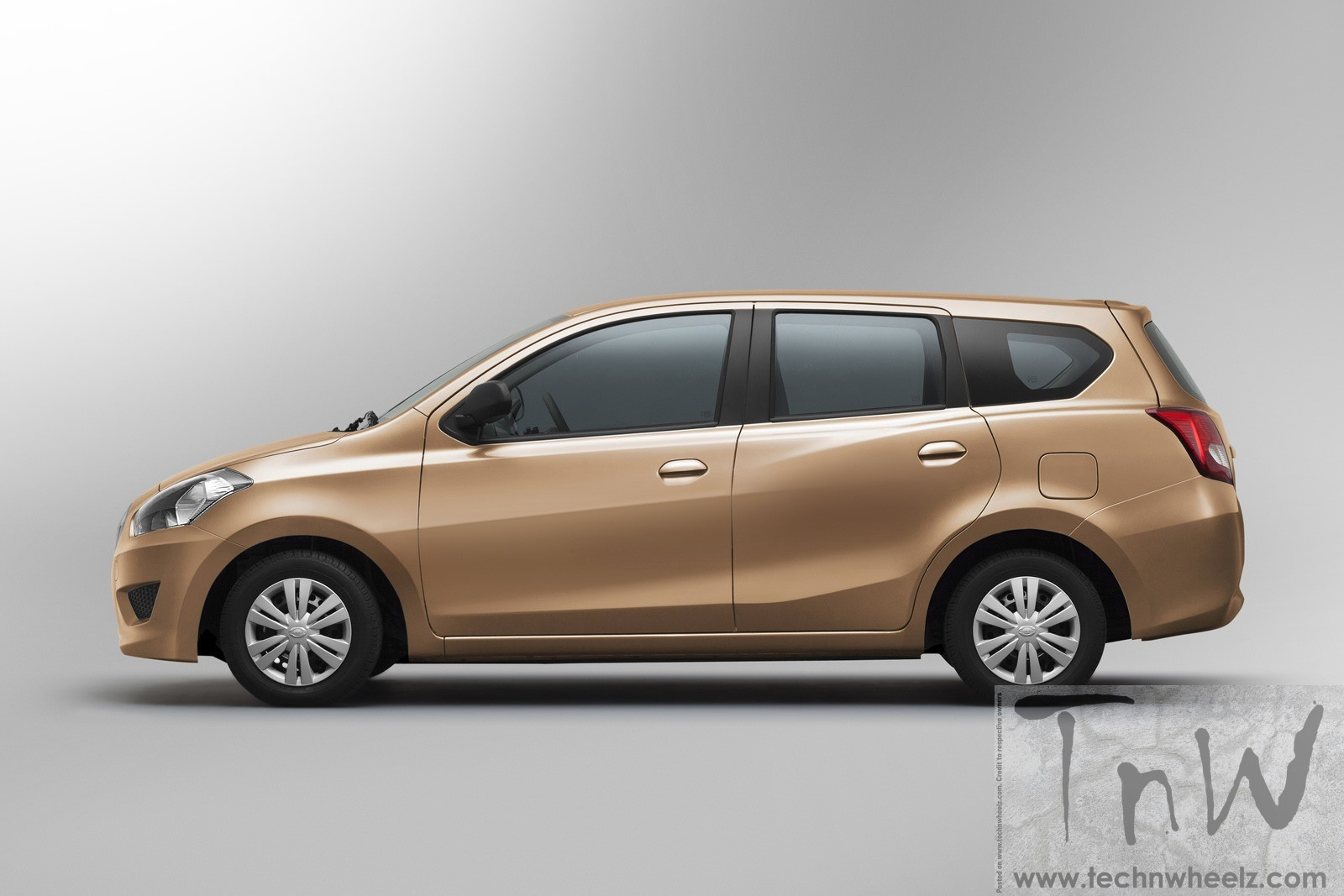 Datsun launches Go+ at INR 3.79 lakhs. To take on compact ...