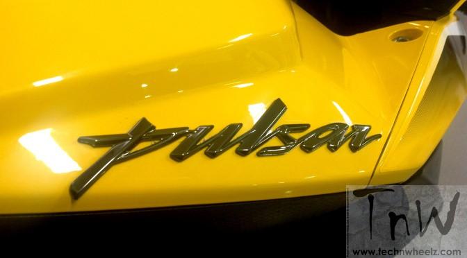 Bajaj Pulsar RS200 badging