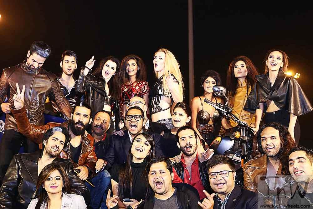 group shot team TVR