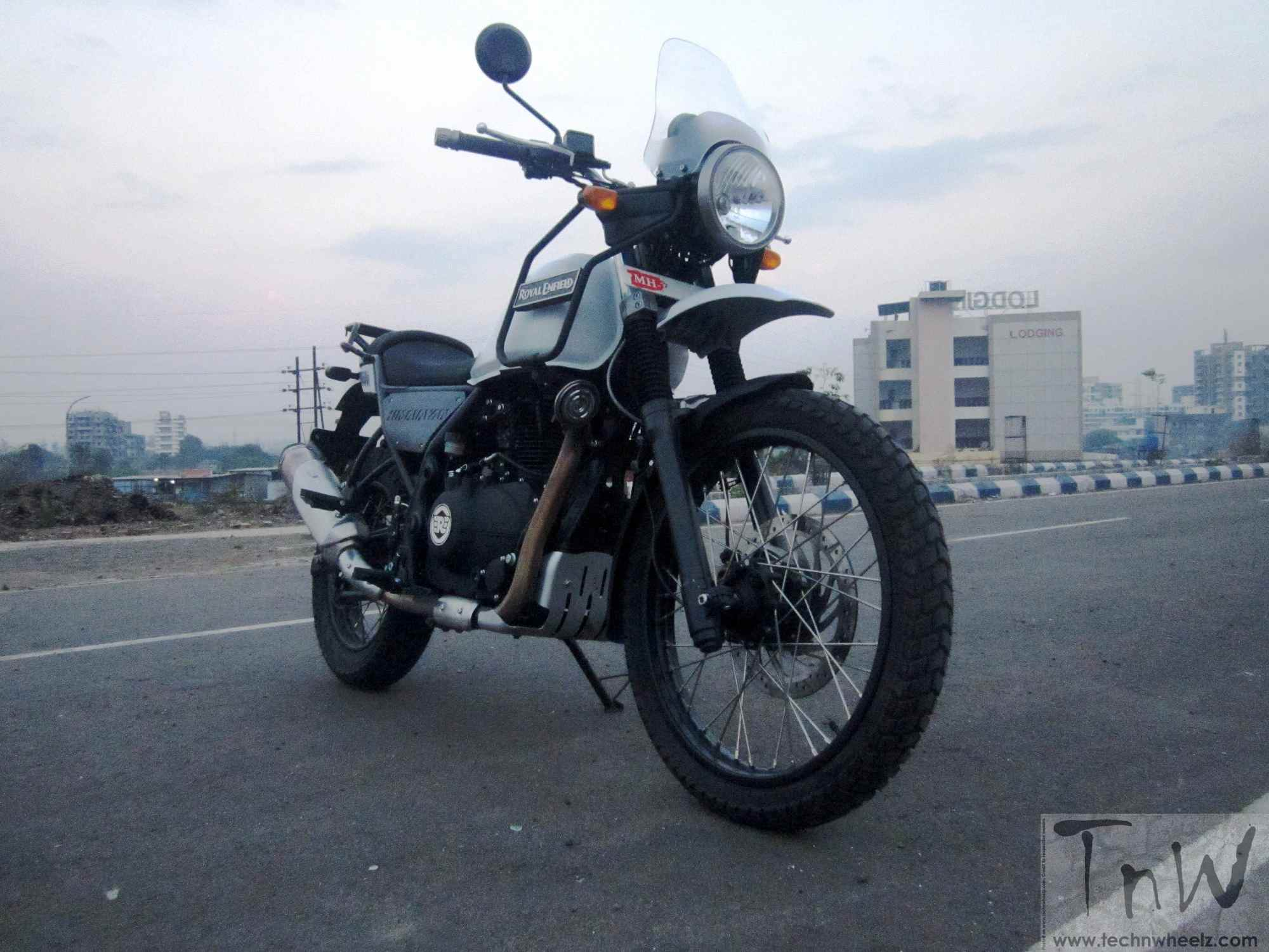 royal enfield himalayan review detailed image gallery inside tech 39 n wheelz. Black Bedroom Furniture Sets. Home Design Ideas