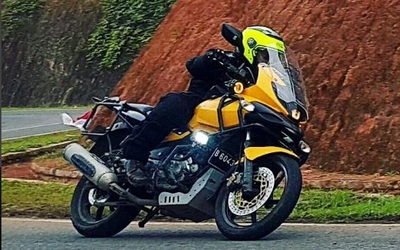 The Pulsar Strada!! Bajaj Pulsar 220F adventure tourer mod